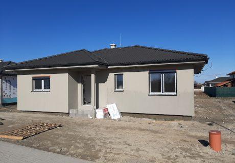 Fotka galérie Vo februári 2020 nám krásne vyrástli domčeky a pokračujeme ďalej - 2