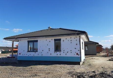 Fotka galérie Vo februári 2020 nám krásne vyrástli domčeky a pokračujeme ďalej - 3