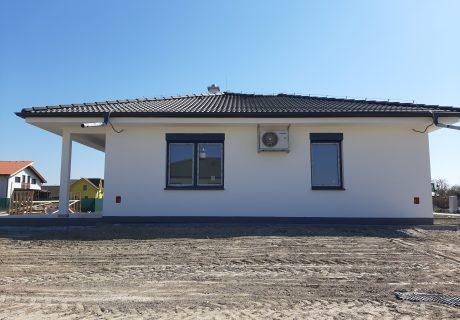 Fotka galérie Apríl 2020 - dokončujeme prvé domčeky. Už sa len nasťahovať... - 5