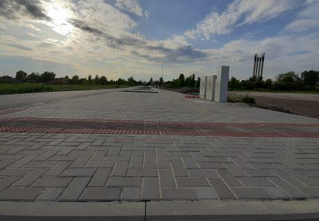 Fotka galérie Apríl 2020 - chodníky a parkovacie miesta v bytovej zóne - 0