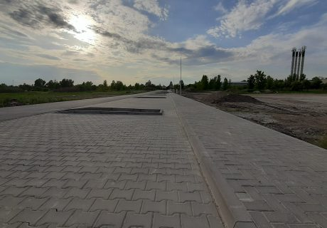 Fotka galérie Apríl 2020 - chodníky a parkovacie miesta v bytovej zóne - 1