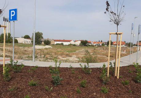 Fotka galérie október 2020  -  Už o pár dní ideme stavať lokalitu bytových domov - 0